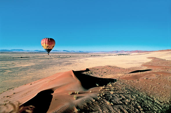 Ballooning over Sossusvlei near Kalula Camp. Namibia