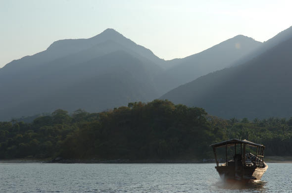 Boat trip on Lake Tanganyika against the backdrop of Mahale