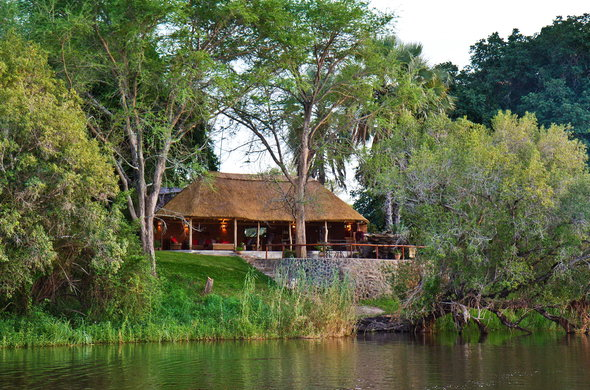 Chundukwa River Lodge lies on the banks of the Zambezi River.