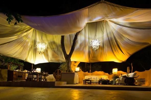 Mchenja Lodge at night.