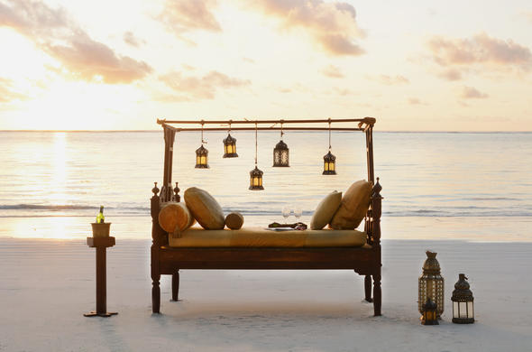 Romantic champagne sundowners at Breezes Beach Club
